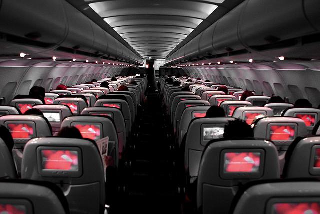 Какое место в самолёте лучше?